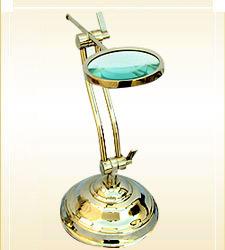 Magnifying Lense Table Model