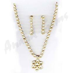 Single Line Diamond & Kundan Necklace Set
