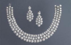 Pearls & Diamond Set