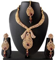 Pleasing Wedding Necklace Set