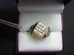 Diamond Studded Gold Ring