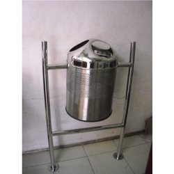 Commercial Hanging Bin And Pole Dustbin
