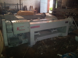 Spindleless Veneer Log Peeling Machine
