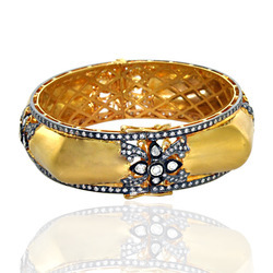 Indian Fusion Gold Bangle