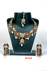 Diamond Jadau Necklace Set