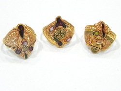 Ladies Antique Gold Rings
