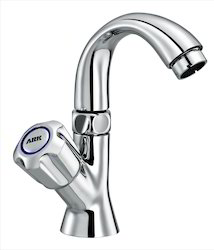pillar tap with swivel spout
