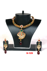 Elegance Jadau Necklace Set