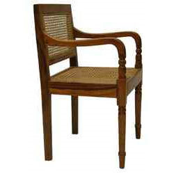Attirant Wooden Arm Chair
