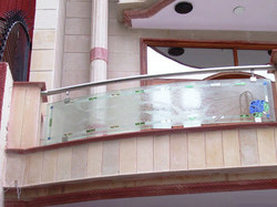 Outdoor Glass Railings