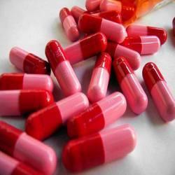 red penicillin capsules