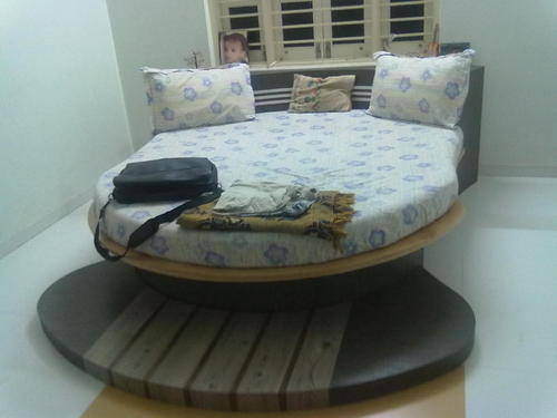 Wooden Bed Round Bed Manufacturer From Ahmedabad