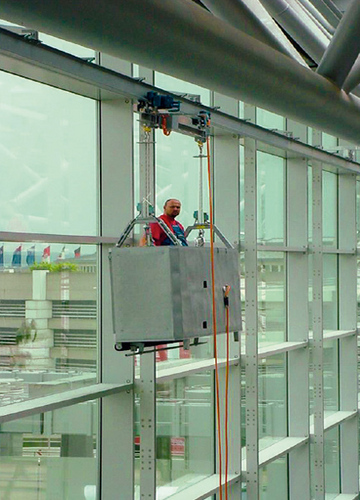 Gandola And Trolley Suitable For Exterior Glass Cleaning
