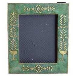 Frames M-6824