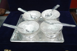 Metal 4 Bowl Set