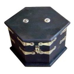 Boxes M-7643