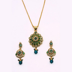 Antique Pendant Sets With Green Stone