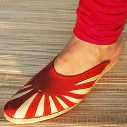 Slip On With Mojari Look