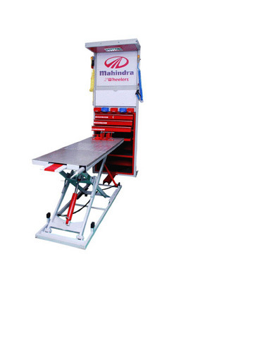 Industrial Two Wheeler Lifts