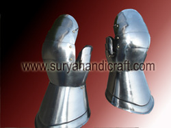 Armor Iron Gloves