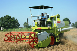 Combine Agriculture Machine