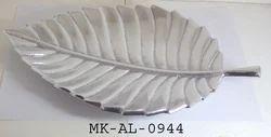 Silver Metal Leaf Shape Platter, for Home, Normal