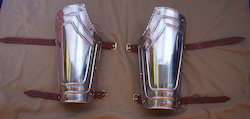 AP04 Pair Of Bracers