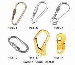 METRO Hooks & Connectors ( Steel): Manual Hook, Spring Hook, Karabiner, Snap Hook & Scaffolding Hook