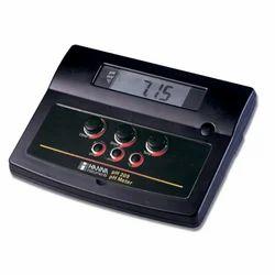 pH 209 Analog pH/mV Bench Meter