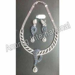 Diamond Sapphire Necklace Set