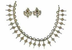 Necklace - Neck 35