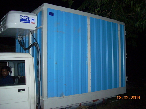 Insulation Materials Refrigertered Van Manufacturer From