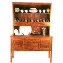 Dresser with Top Shelfs And 3 Panel Table at Base