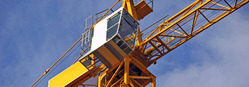 Cranes and heavy lifting equipment