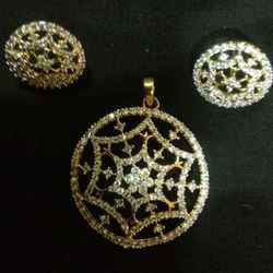 Round Shaped Pendant Set