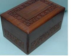 Sheesham wood Wooden Urns
