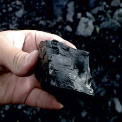 Solid Steam Coal, Packaging Size: Sack, Shape: Lump