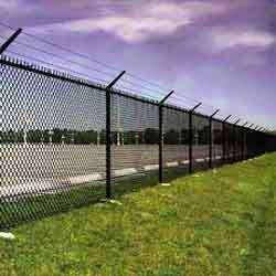 Chain Link Fencing With Square Pipe - Raj Wire Industries, Pune | ID