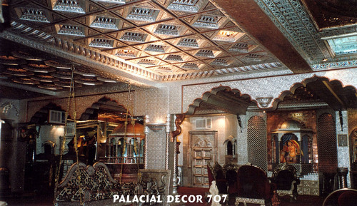 Palacial Design Bar Decoration