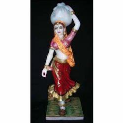 18 Rajasthni Lady Standing