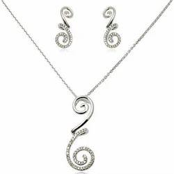 White Gold Diamond Pendant Necklace Set