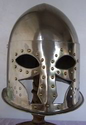 European Close Helmet With Nails