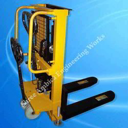 Hydraulic Lift Stackers and Hydraulic Scissor Lift