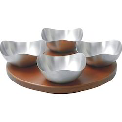 Revolving Tray With 4 Bowls
