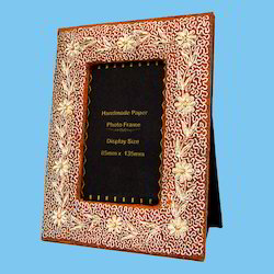 Wooden Brown Hand Embroidered Photo Frames, For Home, Size: 6*8