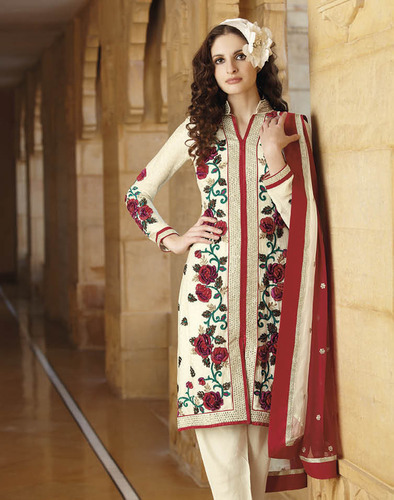 16f2e0cb31 Pakistani Designer Suits at Rs 4940 /piece(s) | Pakistani Lawn Suits ...