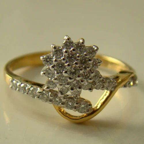 Buetiful Engagement Diamond Ring in .