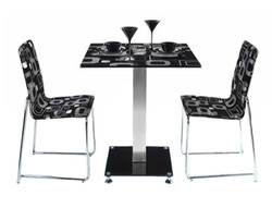 Compact Dining Table With Leda Chair