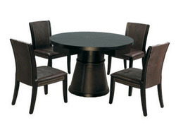 Eviva Dining Table With Cubus Chairs