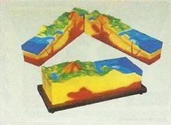 Model Of Volcano BPG3355